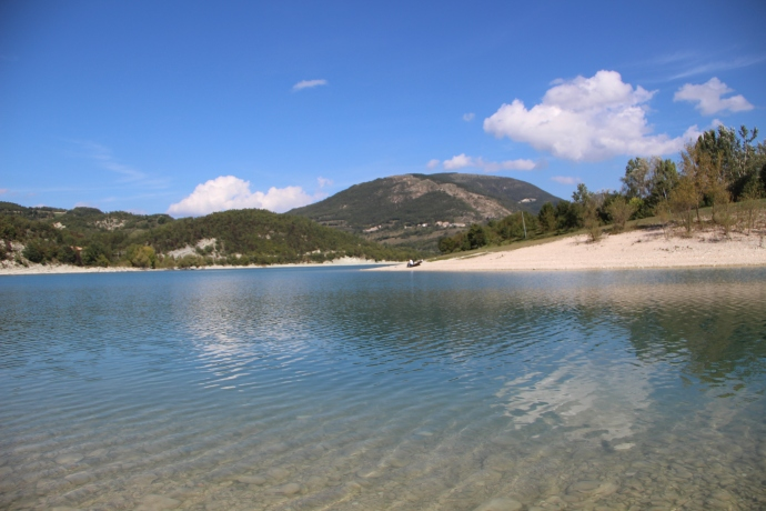 Then we visited Lago di Fiastra. Absolutely dead but still beautiful with crystal clear water.