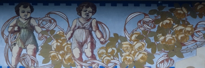 A lot of houses have these frescos just under the roof. I was struck by these alarming looking cherubs, I can only assume they were used to warn people off coming!!!