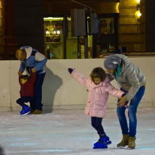 And the ice-rink in Piazza Saffi. I made two new Italian friends - both about 5 years old, Davide and Sofia. We chatted in English (mainly numbers and days of the week).