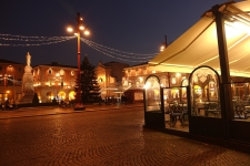 Piazza Saffi at night with the Christmas lights