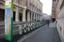 They have a rent-a-bike scheme in Forli. It's so flat it's easy to get around with a bike and they've got quite a few cycle lanes.